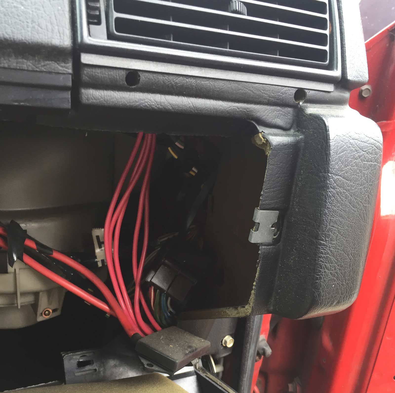 Power Junction Box Inside Volvo 242 Exterior Wiring This Is Where The Located In 700 900 Cars Photo Taken Junk Yard Car Was A 90 92 740